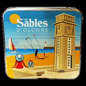 """Boîte métallique souvenir """"les Sables d'Olonne"""" avec ses palets et galettes"""